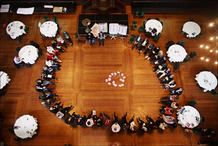 Circle of people participating in #Eurocomm18